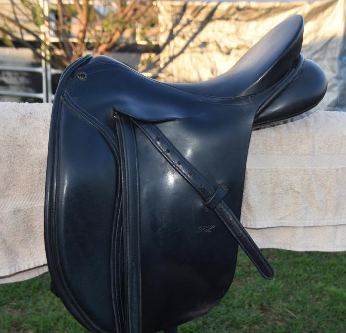 Peter Horobin Close Contact Dressage Saddle