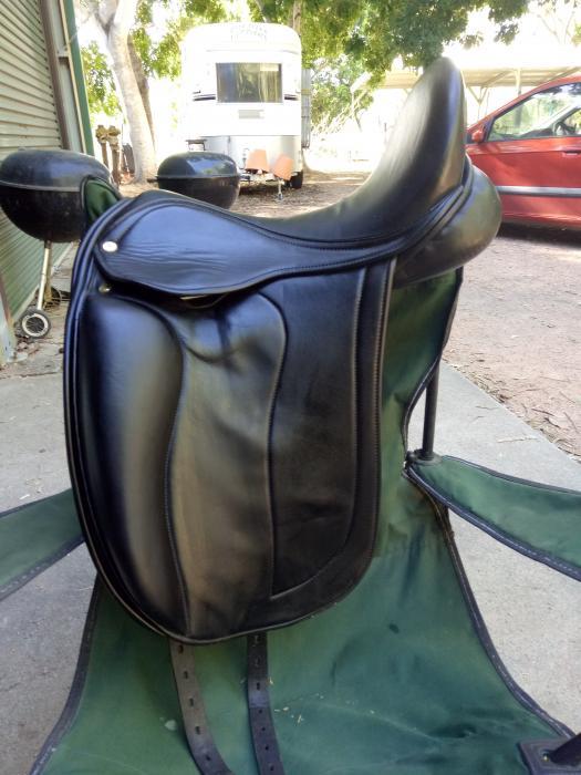 Black Country Adelinda Dressage Saddle