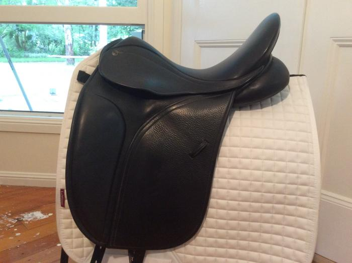 """COUNTY PERFECTION 16.5"""" Dressage Saddle"""