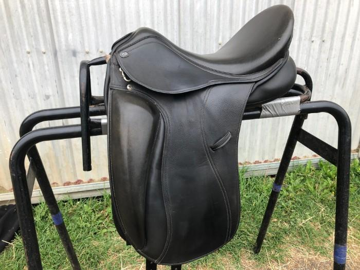PDS Aldea dressage saddle