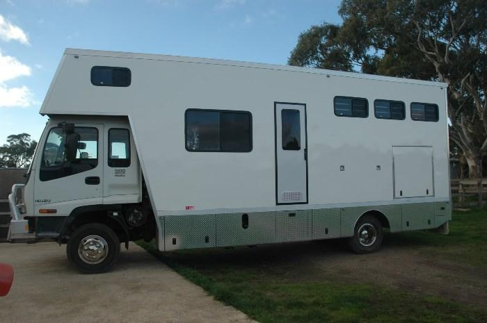 NEW J A W 4 HORSE BOX / PRICE REDUCED