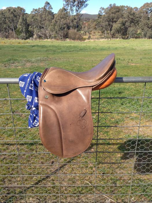 "Stubben Parzival 16"" Show/Dressage Saddle"