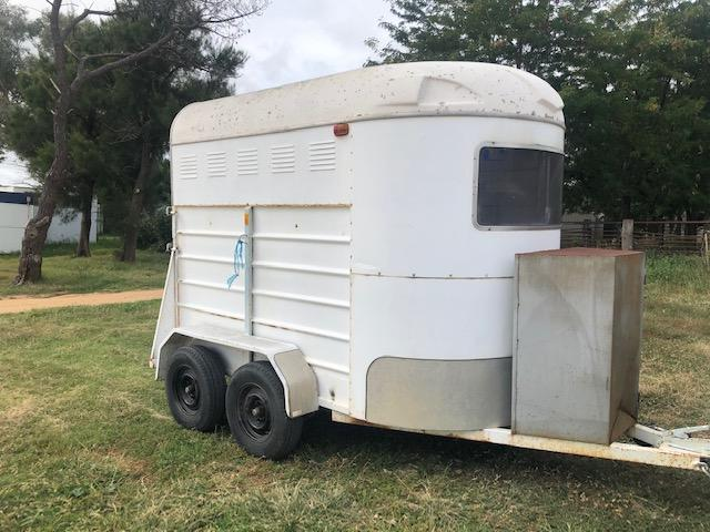 Refurbished Two Horse SL Float