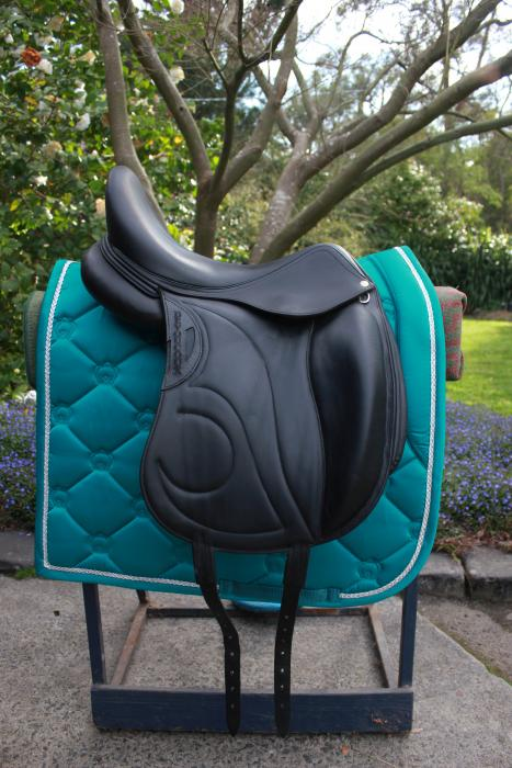 "17.5"" Black Devoucoux (Loreak) Dressage Saddle"