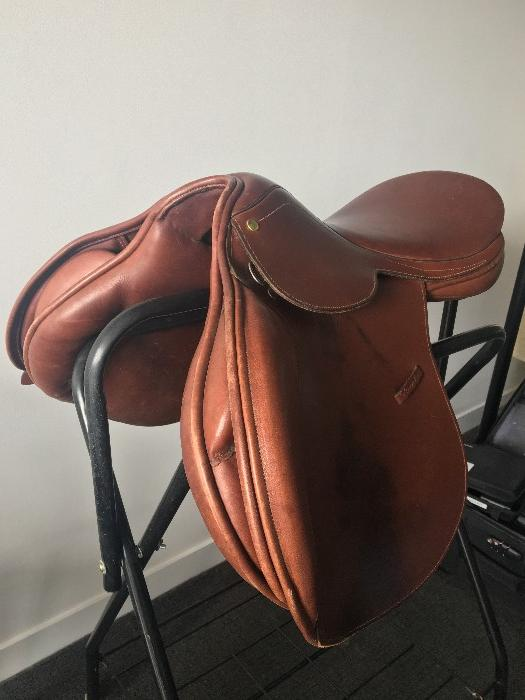 Brown County Conquest Jumping Saddle