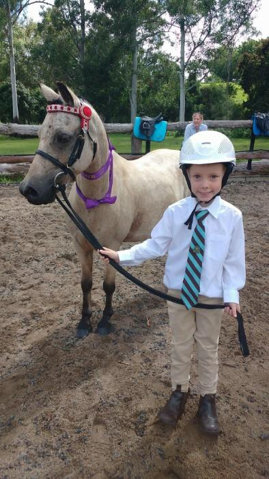 Perfect leadline pony 4 beginners
