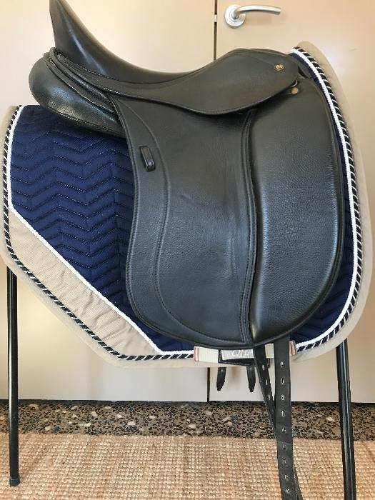 "PH Liberty 17"" Dressage saddle"