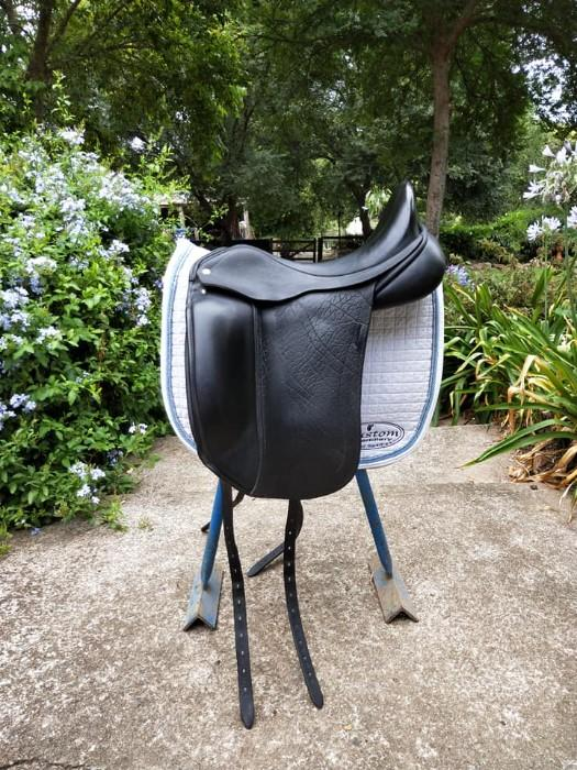 Custom Saddlery Advantage Dressage Saddle