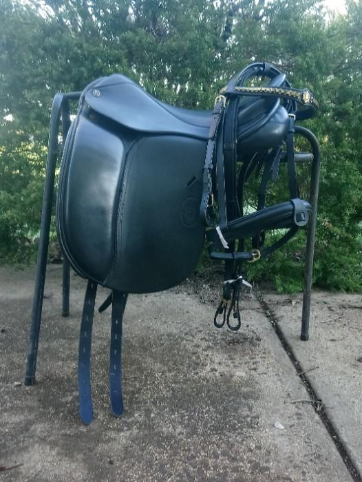 Paul Jones (PJ) Dressage Saddle + Extras