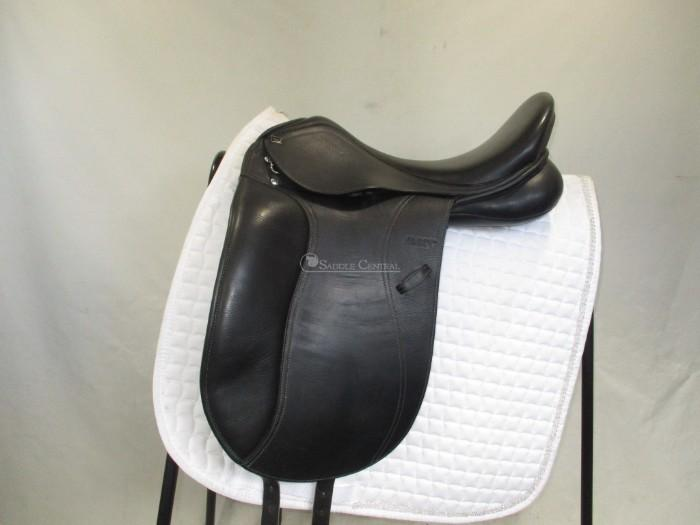 Anky Professional Dressage Saddle 17""