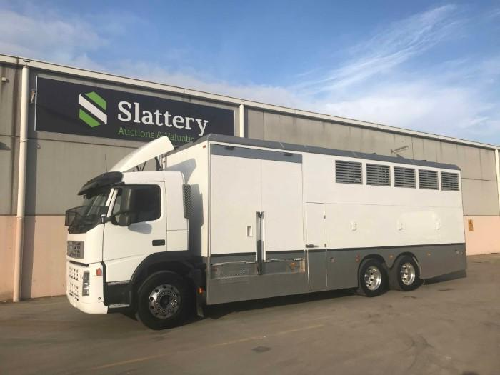 AUCTION: 2008 VOLVO FM 13 460 HORSE FLOAT