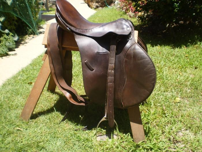 County Saddle 17½""