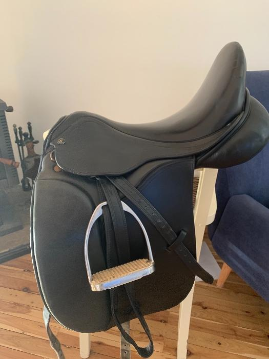 Riveria Monaco dressage saddle