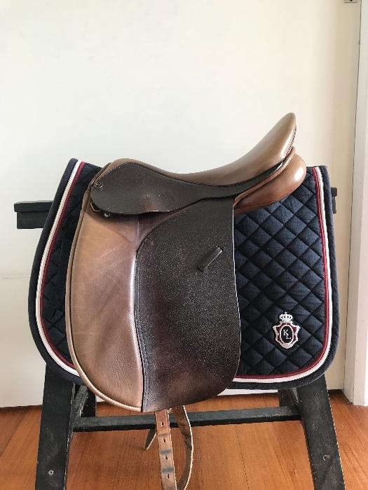 Trainers Master Dressage saddle in Oak Brown 16""