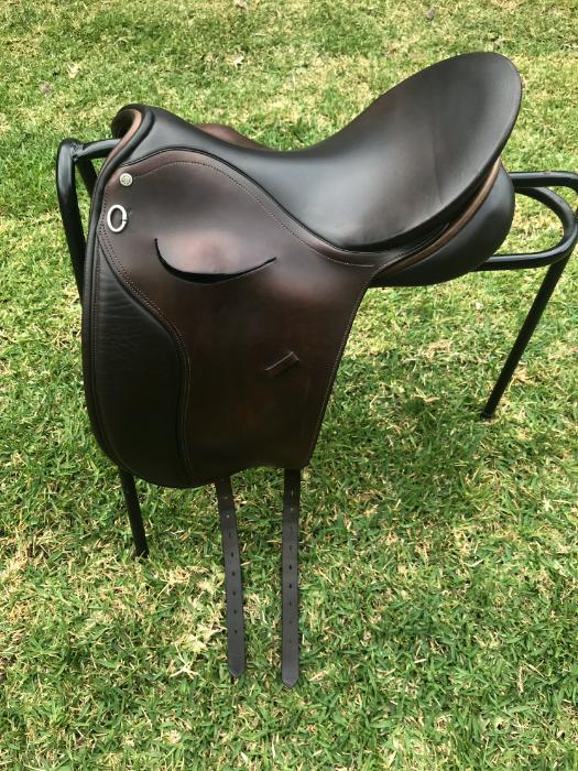 Peter Horobin Show Saddle