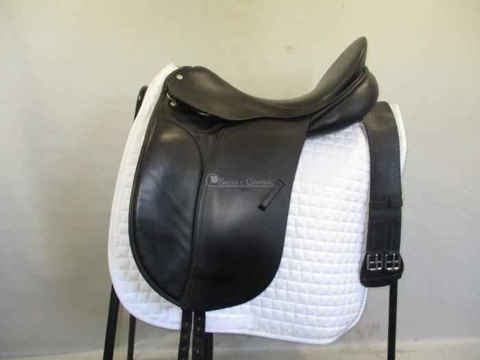 "County Competitor 17"" Dressage Saddle plus girth"