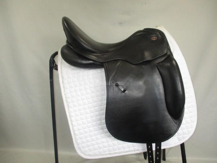Kieffer Kontakt Dressage Saddle size 2 17.5""