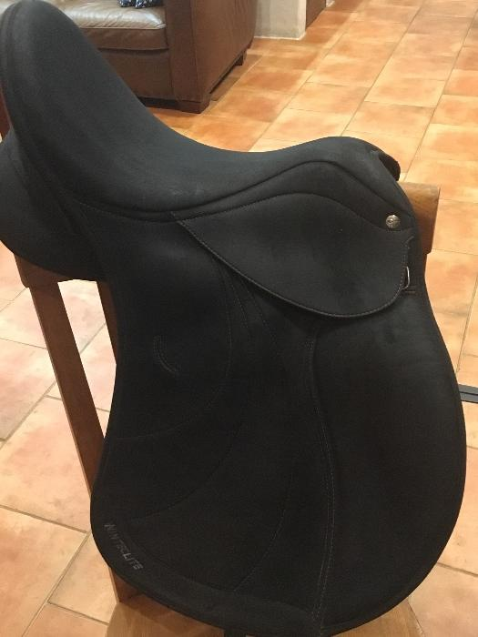 WintecLite D'Lux All Purpose Saddle - 2 available