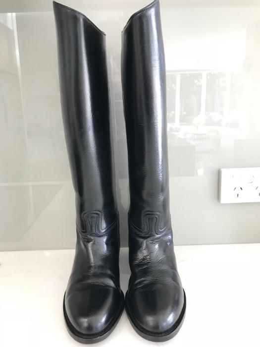 Full Leather Tall Boots Size 38 (7) Near New