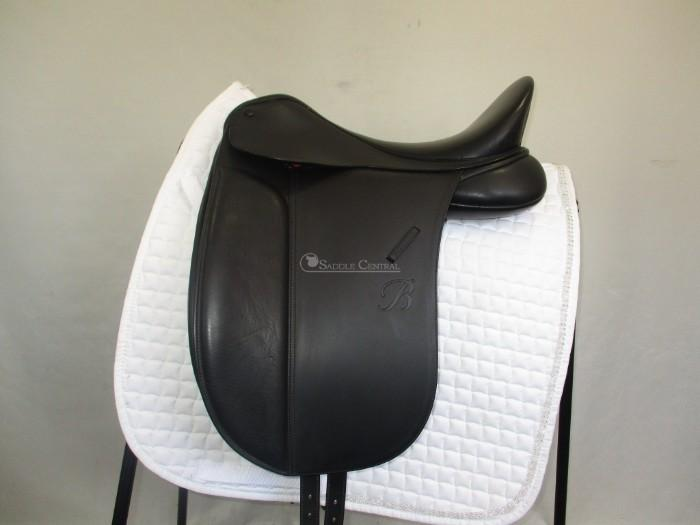 Bates Show Saddle 16.5""