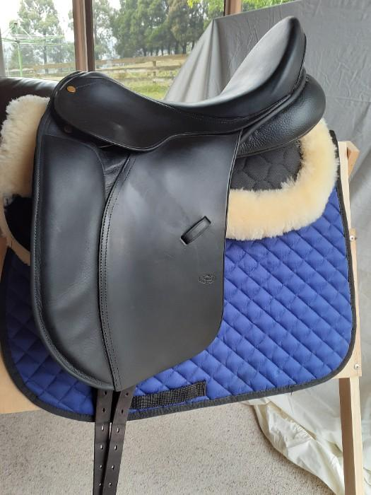 Bruce Smith dressage saddle