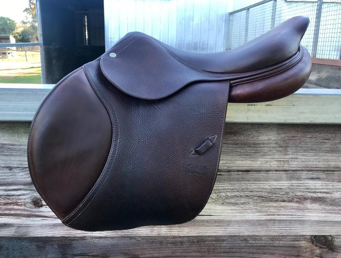 CWD jump saddle