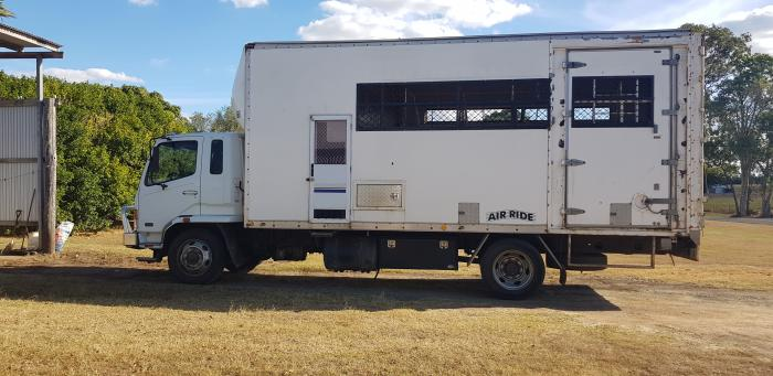 08 Mitsubishi 5 Horse truck with living area.
