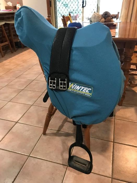 Winter 500 GP saddle flocked