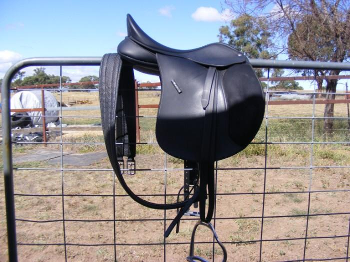 Wintec Wide AP saddle