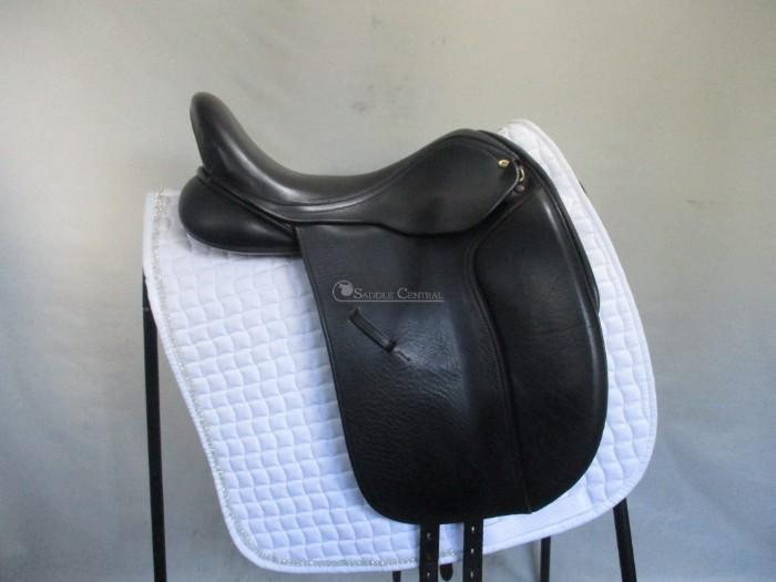 "Black Country Eloquence Dressage Saddle 17"" MW"