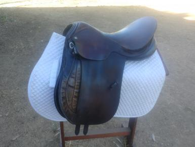 hubertus saddle.jpg