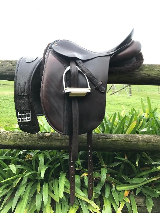 Peter Horobin 17.5 Havana Show Saddle