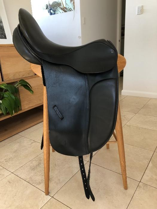 County Dressage Saddle BLACK 17 1/2 M