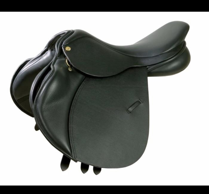 Ideal Jump Saddle as new 17in Black Hunt / XC /SJ