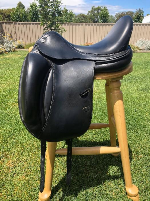 "Prestige D2K Zero Lux 17"" Dressage Saddle"