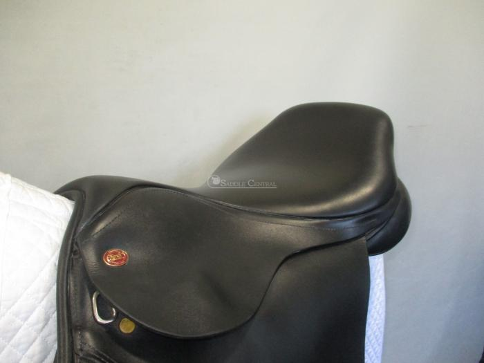 "Kent and Masters 18"" Jump Saddle"