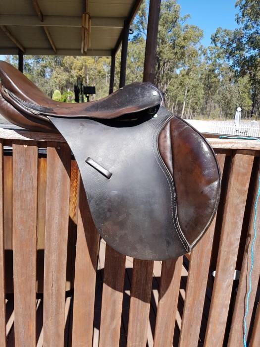 County Jumping Saddle