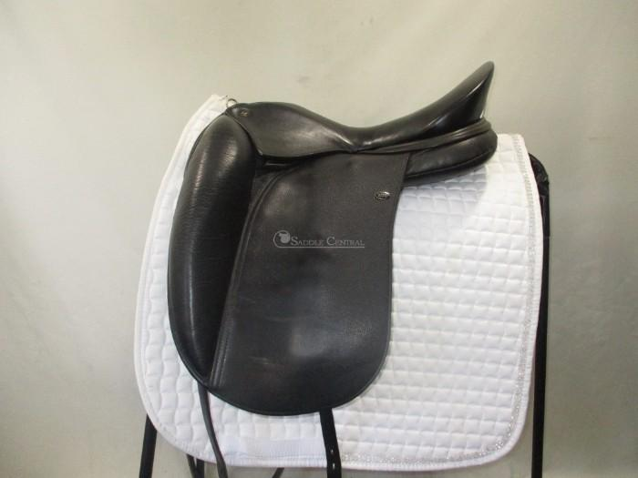 "WOW Edge Dressage Saddle size 1 / 17 ""  0 gullet"