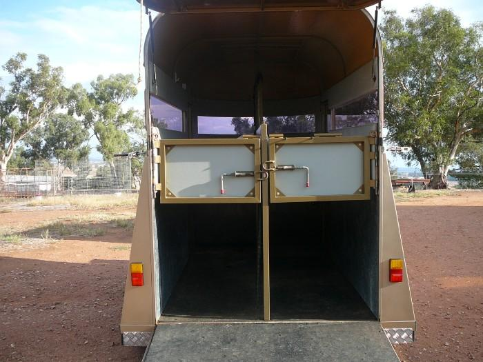 Australian manufactured float ,excellent condition