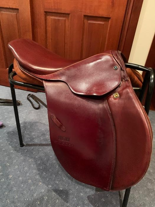 "As new 17""  Stubben Siegfried II jump saddle -"