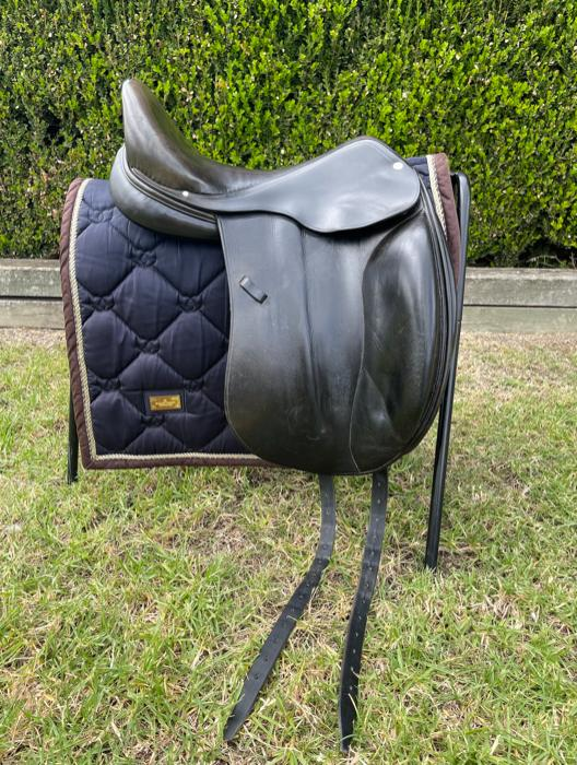 "Hermes Corlandus 17"" Mono Flap Dressage Saddle"
