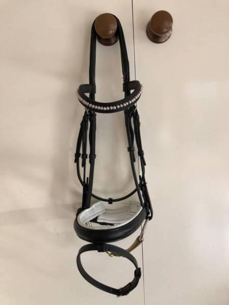 Flexible fit gel bridle w 2 nosebands: Full & Cob