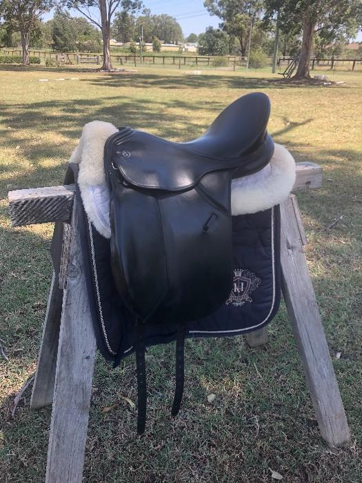 Kieffer Wein 17inch Dressage saddle