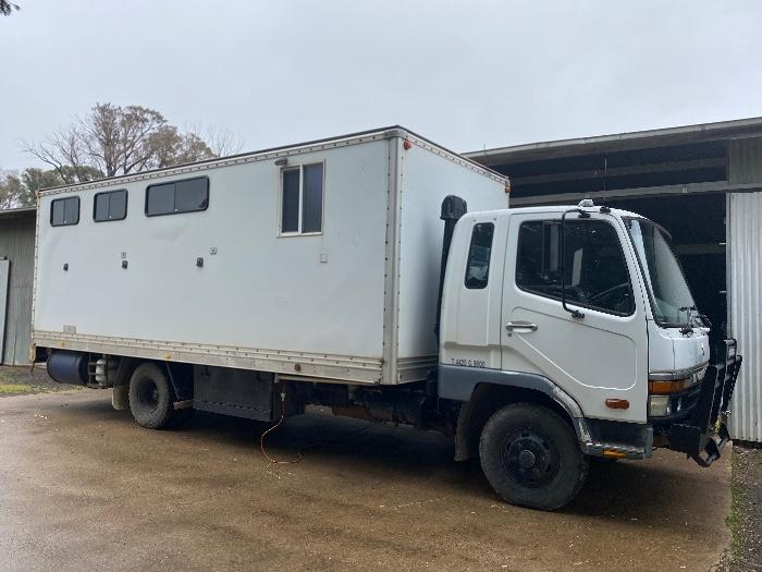 Horse Truck with living!