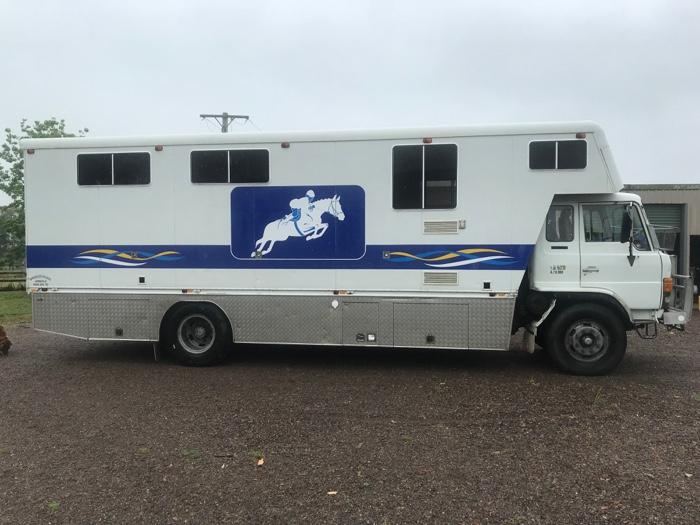 5 Horse Rivenlee Truck - Great for families