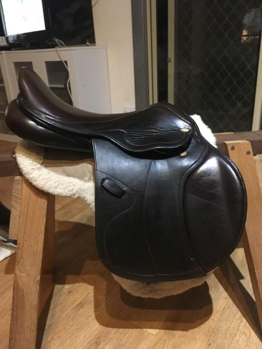 "17.5"" Grainge brown showjumping/allpurpose saddl"