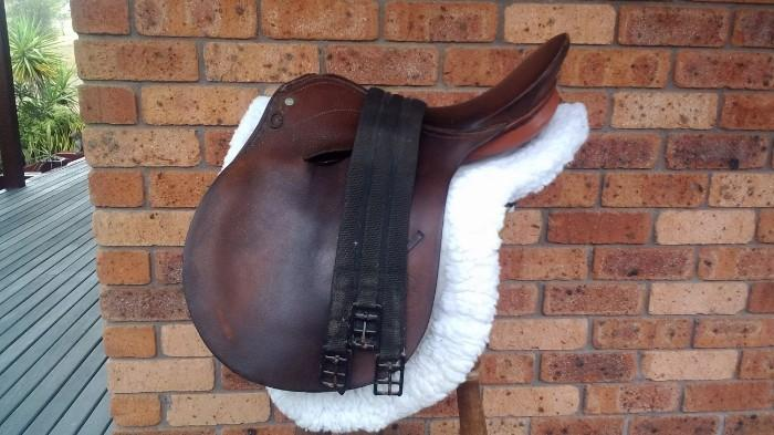 Bates jumping/all purpose saddle