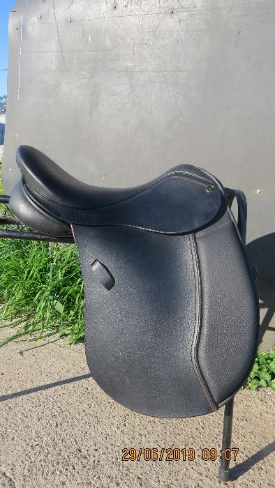 Lucardie Show saddle