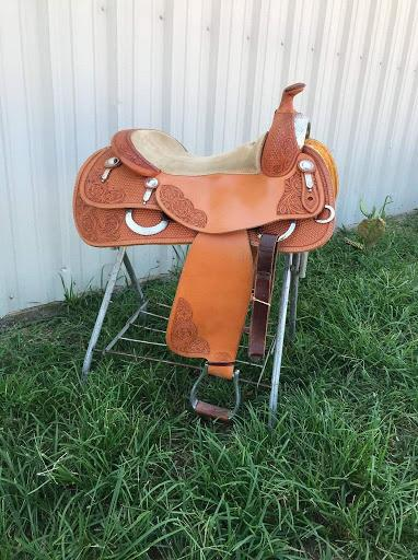 Bob's Avila Reiner Show Saddle Mint Condition 16.5