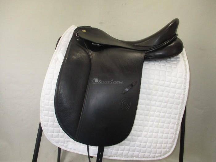Otto Schumacher Exklusiv Dressage saddle 17""